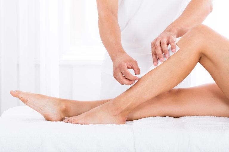 Nohy - depilace voskem v kosmetickém salónu Sedmé nebe